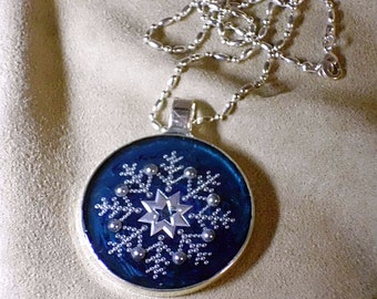 GIVRE - Unique OOAK art necklace -STARLIT_ICE_FLOWER Lacy Fern Frost Window Frost Alien Snowflake - signed and dated - handmade wearable art