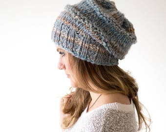 Grey knit hat | Pom pom knit hat | Winter hat | Hand knit slouchy hat | Wool knit hat | Slouchy beanie | Chunky knit hat | Knit beanie hat