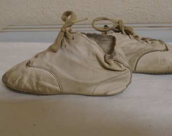 Lovely Leather Pair Of Victorian Baby Shoes / Well Worn Could Be Washed.