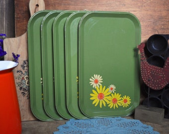 Set of 5 Vintage Green Metal Trays with Yellow Daisies Dinner Personal Size TV