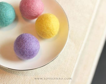 Lovely Felted Wool Balls (Set of 4) – Cat Toy
