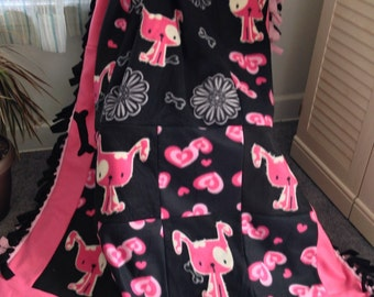 SPOTTED HEARTS Puppy Dog Fleece Blanket