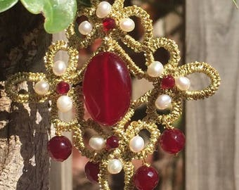 tatting Gold earrings with burgundy agate and small freshwater pearls