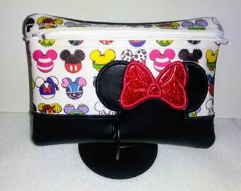 Minnie Mouse Cast Of Thousands  Zipper Bag Collection