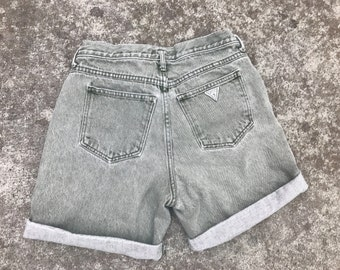 Vintage womens Guess George Maracino 80s high rise shorts in grey/green size 30in waist