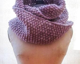 Chunky Wool Möbius Cowl Knitting Pattern