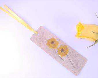 Floral Bookmark Shower Favor With Real Coreopsis Tinctoria