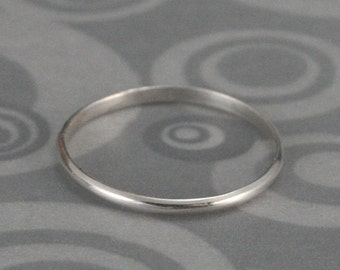 Thin Silver Band~Sterling Silver Ring~Rounded Band~Thin Stacking Ring~Petite Silver Band~Silver Midi Ring~1.5mm Wide Band~Tiny Silver Ring