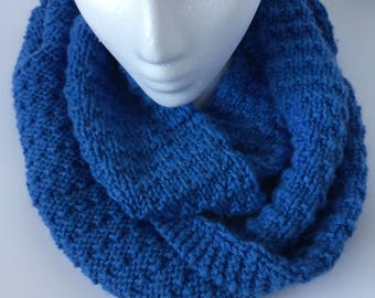 INFINITY SCARF - Hand Knit