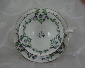 Vintage 1930s Aynsley English Bone China Teacup English Teacup and Saucer - Delightful Tea Cup