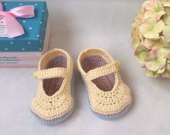 Crochet baby booties Yellow booties Baby booties Baby mary janes Mary jane booties Baby crib crochet Crochet newborn Little baby shoes