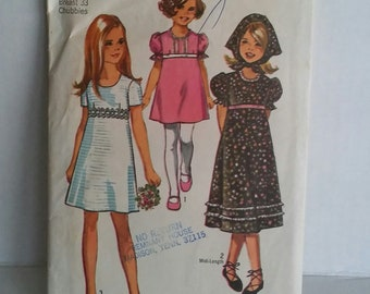 Simplicity Girls' and Chubbies' Dress and Scarf Pattern #9242
