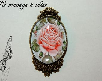 Brooch/cabochon/Metal Bronze / / macro La Rose.