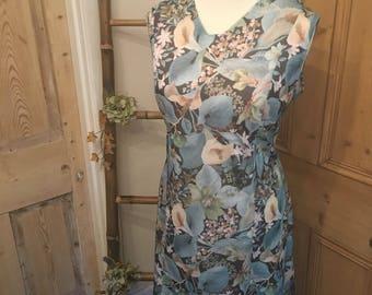 Gorgeous Vintage Sleevless Shift Dress UK Size 16/18