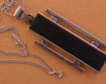 Silver Retro Pendant (220e)