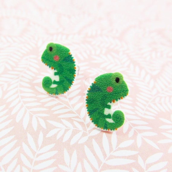 chameleon, earring, green chameleon, lizard, change color animal, chameleon print on plastic, stainless stud, handmade, les perles rares