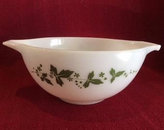 Pyrex JAJ Green Hawthorn Cinderella Mixing Bowl 2 pint #442 1960