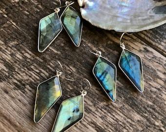 Labradorite Earrings,Silver Labradorite Earrings,Labradorite Silver Earrings,Raw Labradorite Earrings,Labradorite Jewelry,Labradorite Silver