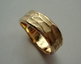 Mens organic Wedding ring in 14k yellow gold custom engraved inside.