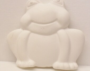 Ready To Paint/DIY/Plaster/ChalkWare/PlasterCraft Flat Back Magnet Medium Frog #270