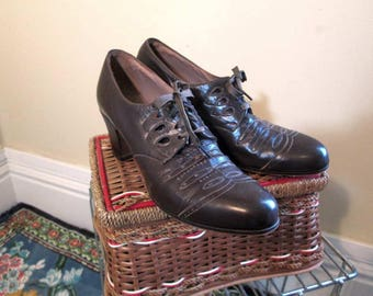 Vintage 30s Oxford shoes vintage Brown Leather Shoes 30s Wingtip Toes Granny shoes Perforations stitching 6 N