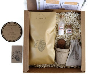 Natural dyeing Set for yarns and fabrics. Original eco-friendly gift box to dye homemade fabrics with plants, scientific game