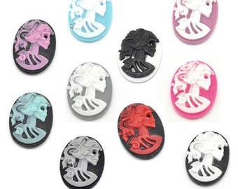 2 or 10 cameos skeletal silhouette, 25x18mm resin - many colors