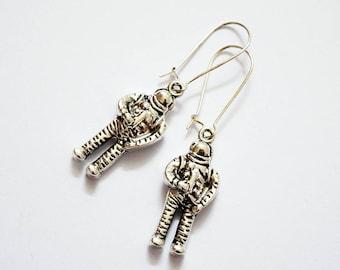 Cute Antique Silver Tone Astronaut Design Silver Plated Drop Earrings