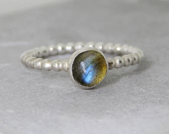 Boho Labradorite Ring, blue flash labradorite sterling silver ring, sterling beaded band ring, sterling silver stacking ring