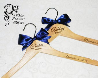 Personalized Bridesmaid Wedding Hanger - Bridal Party Wedding Dress Hanger - Wedding Party Gift - Engraved Name Hanger