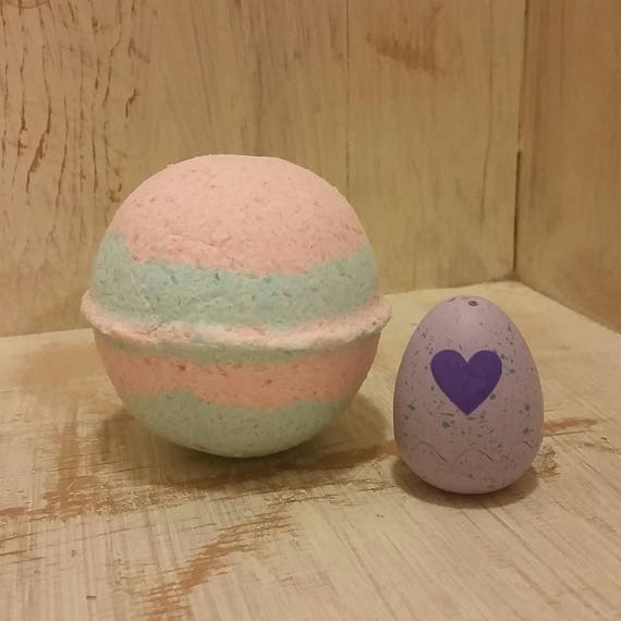 Scented Hatchimal Surprise Toy Bath Bomb XL