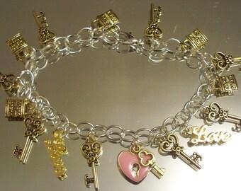 Valentine's Day Bracelets, HOBBEEdesigns, Free Shipping, Heart Charms, Gold Bracelets, Valentine Gift, Chain Bracelets, Love Charms
