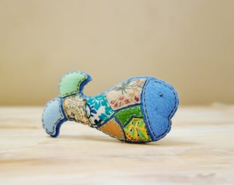 Blue Whale Brooch. Fabric Mosaic Textile Brooch. Felt Animal Brooch. Sea Creature Patchwork Brooch.