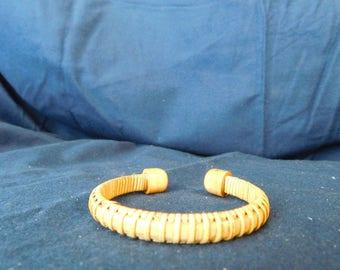 "1/4"" Nantucket style bracelet."