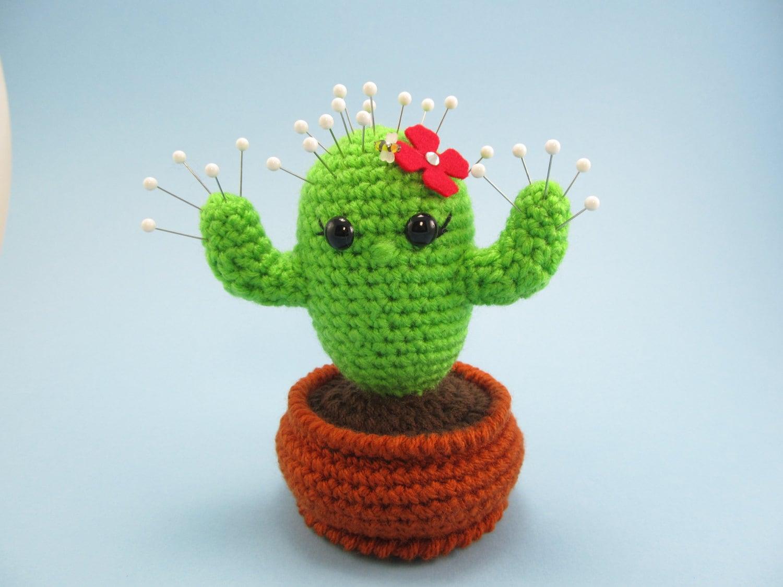 Kaktus gehäkelt Nadelkissen Kaktus im Blumentopf Wüste