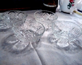 set of 4 vintage, cut glass serving bowls, vintage, cut glass, sherbert, ice cream, dessert, fruit, dining, kitchen, collectibles