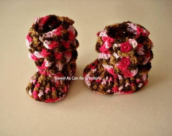 Crochet Crocodile Stitch Baby Girl Booties in Pink Camo for size 0-6months