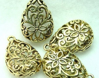 Brass Charms Teardrop Filigree Victorian Flower 3-D Pendants Charms Drops Antique Gold -4pcs
