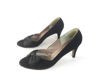 Black pumps, black heels, size 8 shoes, size 85 vintage shoes, Suede shoes, bow shoes, vintage shoes, black shoes, size 8 shoes