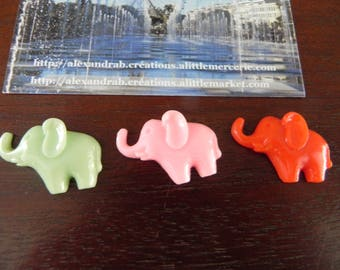 3 embellishments elephants 28 x 19 mm resin of 3 different colors