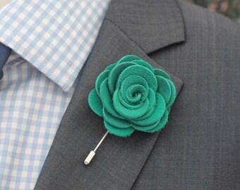 Emerald green lapel rose pin, Mens leahter lapel stick pin,emerald lapel boutonniere, lapel boutonniere, wedding boutonnniere, elegant pin