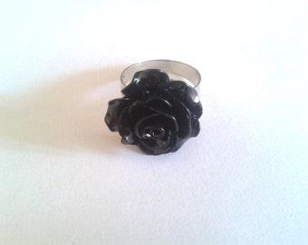 Black cabochon ring - adjustable to your finger