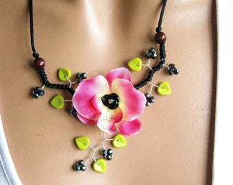 Necklace orchid pink dark green
