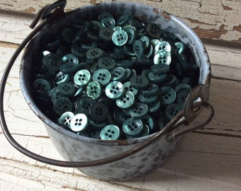 """Shiny Emerald Vintage Button/Glossy Emerald Green Shirt Buttons/Set of 60/1.5"""" in Diameter/New Old Stock"""