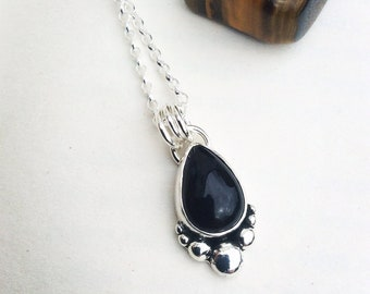 Onyx Boulder - Sterling Silver Necklace