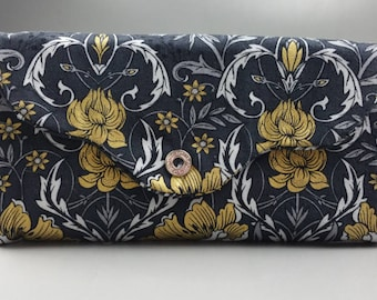 Woman's Wallet Golden Floral Damask, coin pouch, card slot, many pockets