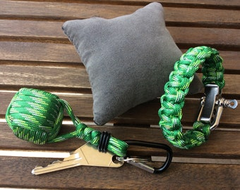 With matching Keychain Paracord Bracelet