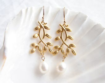 Gold Leaf Earrings ~ Freshwater Pearl Earrings ~ June Birthday ~ Matte Gold Twig ~ Gold Leaf Branch ~ Bridesmaid Gift ~ Matte Gold Earrings