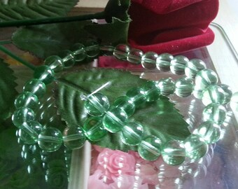 son of 40 green glass beads 8 mm diameter, hole 1 mm