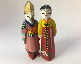 Asian folk art - Hand carved wood  figurines male and female couple (China maybe)